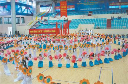 hoi-khoe-phu-dong-2